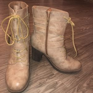 Tan Lace Up Chunk Heel Boots
